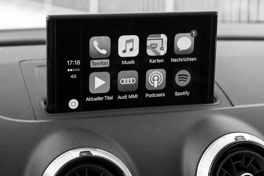 dash infotainment small