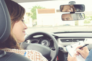 Teenager-learning-behind-the-wheel